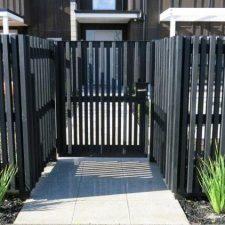 GT.+Gate+-vertical+pine+battens+varied+widths