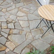 PV.+Paving+-flagstone+&+pebble+(1)