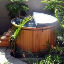 Spa -tub