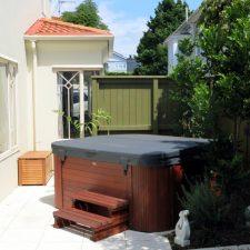 courtyard-epsom-garden-(3)