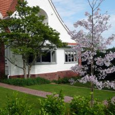 epsom-entrance-garden(4)